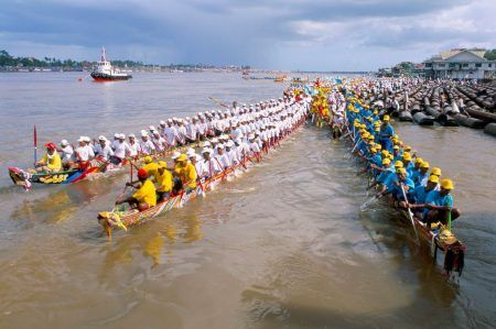 Boat Racing Competition in Tonle Sap